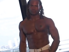 "Marlone Starr is a hot 6'0"" black stud"